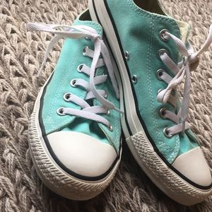 Converse Chuck Taylor All Star Low Top Size 7